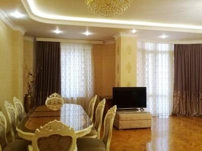 Bakı şəhəri, Nərimanov rayonunda, 2 otaqlı yeni tikili kirayə verilir (Elan: 109980)
