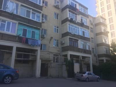 Bakı şəhəri, Yasamal rayonunda, 1 otaqlı köhnə tikili satılır (Elan: 114136)