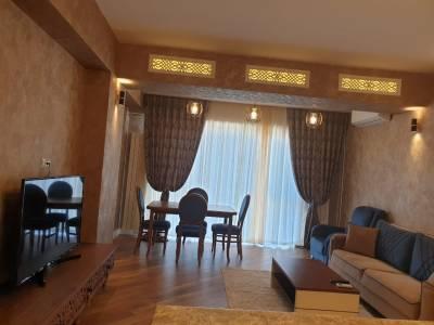 Bakı şəhəri, Nəsimi rayonunda, 3 otaqlı yeni tikili kirayə verilir (Elan: 123263)