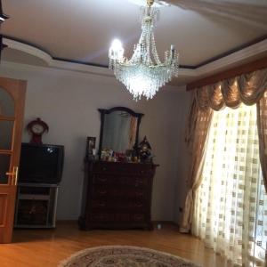Bakı şəhəri, Xətai rayonunda, 3 otaqlı köhnə tikili kirayə verilir (Elan: 107367)