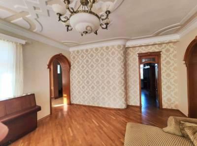 Bakı şəhəri, Səbail rayonu, Badamdar qəsəbəsində, 8 otaqlı ev / villa kirayə verilir (Elan: 115656)