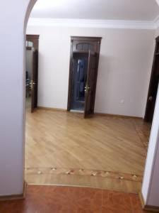Bakı şəhəri, Nərimanov rayonunda, 4 otaqlı ofis kirayə verilir (Elan: 157589)