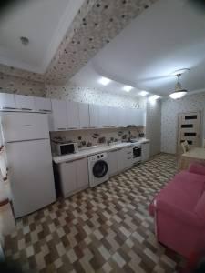 Bakı şəhəri, Nəsimi rayonunda, 3 otaqlı yeni tikili kirayə verilir (Elan: 160446)