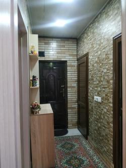 Bakı şəhəri, Nəsimi rayonu, 3-cü mikrorayon qəsəbəsində, 3 otaqlı köhnə tikili satılır (Elan: 202130)