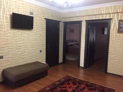 Bakı şəhəri, Nərimanov rayonunda, 3 otaqlı yeni tikili kirayə verilir (Elan: 138682)