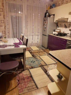 Bakı şəhəri, Yasamal rayonunda, 2 otaqlı köhnə tikili satılır (Elan: 202052)