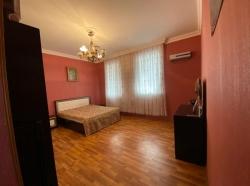 Bakı şəhəri, Yasamal rayonunda, 3 otaqlı ev / villa kirayə verilir (Elan: 190014)