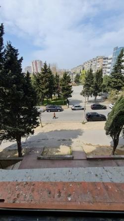 Bakı şəhəri, Nizami rayonunda, 3 otaqlı köhnə tikili satılır (Elan: 193706)