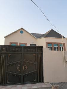 Bakı şəhəri, Binəqədi rayonu, Biləcəri qəsəbəsində, 4 otaqlı ev / villa satılır (Elan: 107493)