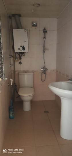 Bakı şəhəri, Abşeron rayonunda, 2 otaqlı köhnə tikili kirayə verilir (Elan: 202288)