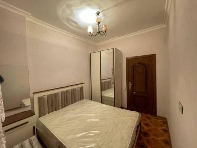Bakı şəhəri, Yasamal rayonunda, 2 otaqlı yeni tikili kirayə verilir (Elan: 166686)