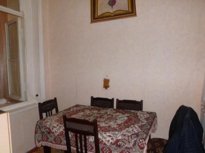 Bakı şəhəri, Nəsimi rayonunda, 3 otaqlı köhnə tikili satılır (Elan: 111369)