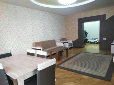 Bakı şəhəri, Xətai rayonunda, 3 otaqlı yeni tikili kirayə verilir (Elan: 107369)