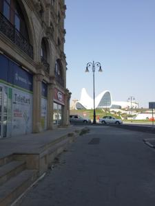 Bakı şəhəri, Nərimanov rayonunda, 3 otaqlı köhnə tikili kirayə verilir (Elan: 107037)