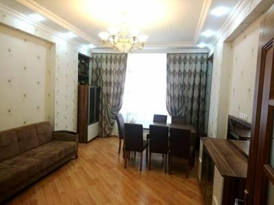 Bakı şəhəri, Yasamal rayonunda, 3 otaqlı yeni tikili kirayə verilir (Elan: 116303)