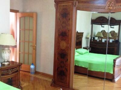 Bakı şəhəri, Nəsimi rayonunda, 3 otaqlı yeni tikili kirayə verilir (Elan: 107139)