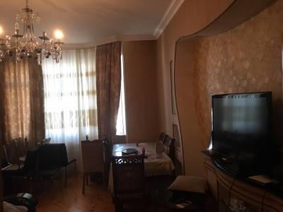 Bakı şəhəri, Xətai rayonunda, 2 otaqlı yeni tikili kirayə verilir (Elan: 130521)