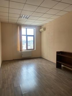 Bakı şəhəri, Səbail rayonunda, 5 otaqlı ofis kirayə verilir (Elan: 201448)