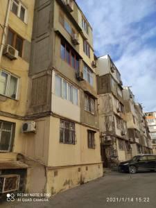 Bakı şəhəri, Nəsimi rayonunda, 3 otaqlı köhnə tikili satılır (Elan: 172823)