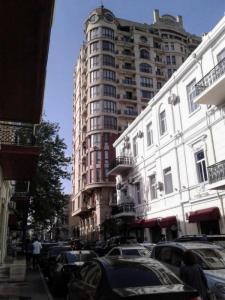 Bakı şəhəri, Səbail rayonunda, 5 otaqlı yeni tikili satılır (Elan: 106920)