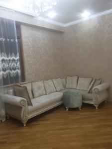 Bakı şəhəri, Yasamal rayonunda, 3 otaqlı yeni tikili kirayə verilir (Elan: 107023)