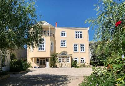 Bakı şəhəri, Səbail rayonu, Badamdar qəsəbəsində, 11 otaqlı ev / villa kirayə verilir (Elan: 158529)