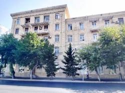 Bakı şəhəri, Yasamal rayonunda, 3 otaqlı köhnə tikili satılır (Elan: 189985)