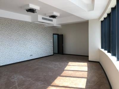 Bakı şəhəri, Nərimanov rayonunda, 4 otaqlı ofis kirayə verilir (Elan: 157331)