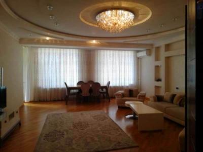 Bakı şəhəri, Nəsimi rayonunda, 3 otaqlı yeni tikili kirayə verilir (Elan: 106836)