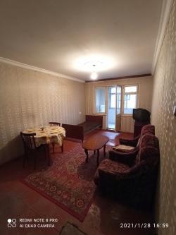 Bakı şəhəri, Nizami rayonu, 8-ci kilometr qəsəbəsində, 1 otaqlı köhnə tikili satılır (Elan: 190051)