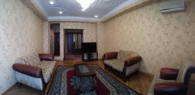 Bakı şəhəri, Nəsimi rayonunda, 3 otaqlı yeni tikili kirayə verilir (Elan: 158658)