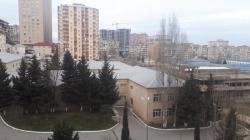 Bakı şəhəri, Yasamal rayonu, Yeni Yasamal qəsəbəsində, 4 otaqlı köhnə tikili satılır (Elan: 193628)
