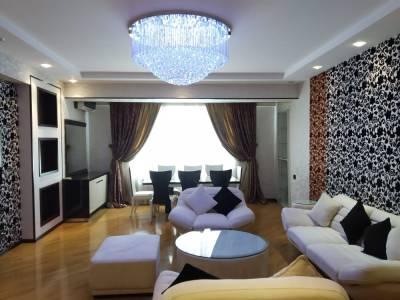 Bakı şəhəri, Yasamal rayonunda, 4 otaqlı yeni tikili kirayə verilir (Elan: 151686)