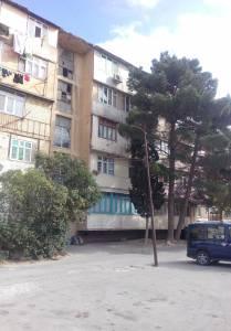 Bakı şəhəri, Suraxanı rayonu, Qaraçuxur qəsəbəsində, 3 otaqlı köhnə tikili kirayə verilir (Elan: 124339)