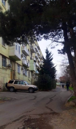 Bakı şəhəri, Səbail rayonu, Badamdar qəsəbəsində, 2 otaqlı köhnə tikili satılır (Elan: 188424)