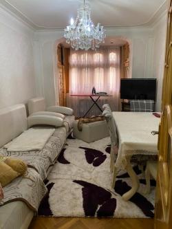 Bakı şəhəri, Xətai rayonunda, 4 otaqlı köhnə tikili satılır (Elan: 184240)
