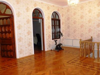 Bakı şəhəri, Binəqədi rayonunda, 6 otaqlı ev / villa satılır (Elan: 106365)