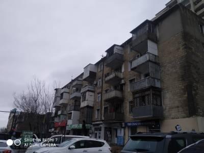 Bakı şəhəri, Nəsimi rayonunda, 3 otaqlı köhnə tikili satılır (Elan: 121482)