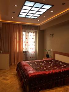 Bakı şəhəri, Yasamal rayonunda, 3 otaqlı yeni tikili kirayə verilir (Elan: 106629)
