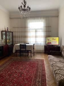 Bakı şəhəri, Yasamal rayonunda, 2 otaqlı köhnə tikili satılır (Elan: 172598)
