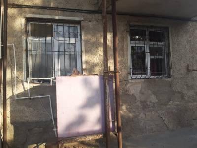 Bakı şəhəri, Suraxanı rayonu, Əmircan qəsəbəsində, 1 otaqlı köhnə tikili satılır (Elan: 145041)