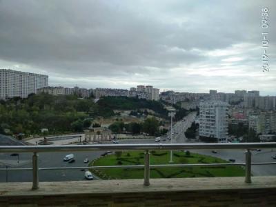 Bakı şəhəri, Xətai rayonu, Həzi Aslanov qəsəbəsində, 3 otaqlı yeni tikili kirayə verilir (Elan: 107004)