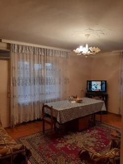 Bakı şəhəri, Nizami rayonunda, 2 otaqlı köhnə tikili satılır (Elan: 179406)