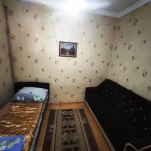 Bakı şəhəri, Nizami rayonu, 8-ci kilometr qəsəbəsində, 2 otaqlı köhnə tikili satılır (Elan: 138668)