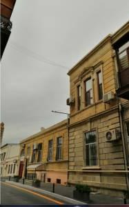 Bakı şəhəri, Nəsimi rayonunda, 2 otaqlı köhnə tikili satılır (Elan: 115663)