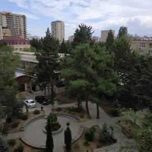 Bakı şəhəri, Binəqədi rayonu, 8-ci mikrorayon qəsəbəsində, 3 otaqlı köhnə tikili satılır (Elan: 166632)