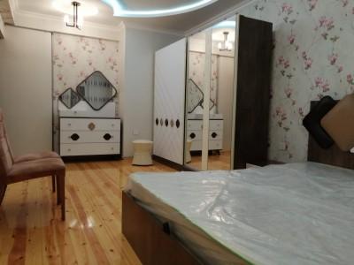 Bakı şəhəri, Nizami rayonunda, 3 otaqlı yeni tikili kirayə verilir (Elan: 108641)