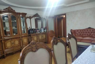 Bakı şəhəri, Nəsimi rayonunda, 3 otaqlı köhnə tikili satılır (Elan: 155402)