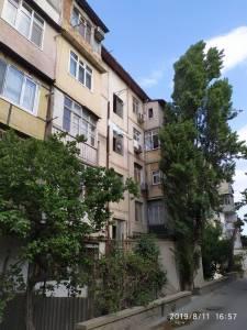 Bakı şəhəri, Binəqədi rayonu, 9-cu mikrorayon qəsəbəsində, 3 otaqlı köhnə tikili satılır (Elan: 125162)