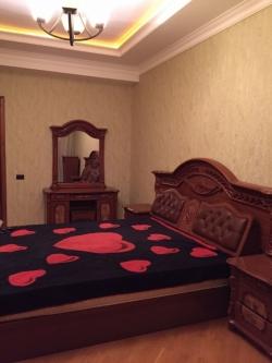Bakı şəhəri, Nəsimi rayonunda, 4 otaqlı yeni tikili kirayə verilir (Elan: 193700)